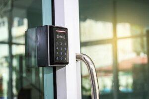 Dafo Security | Från kodlås till porttelefon/taggläsare